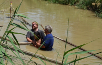 Baptism_in_Jordan02_cropped